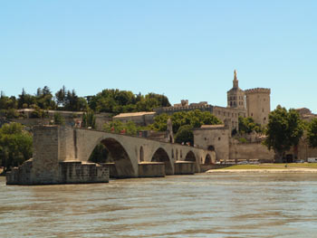 Avignon: bridge and  city of Papes